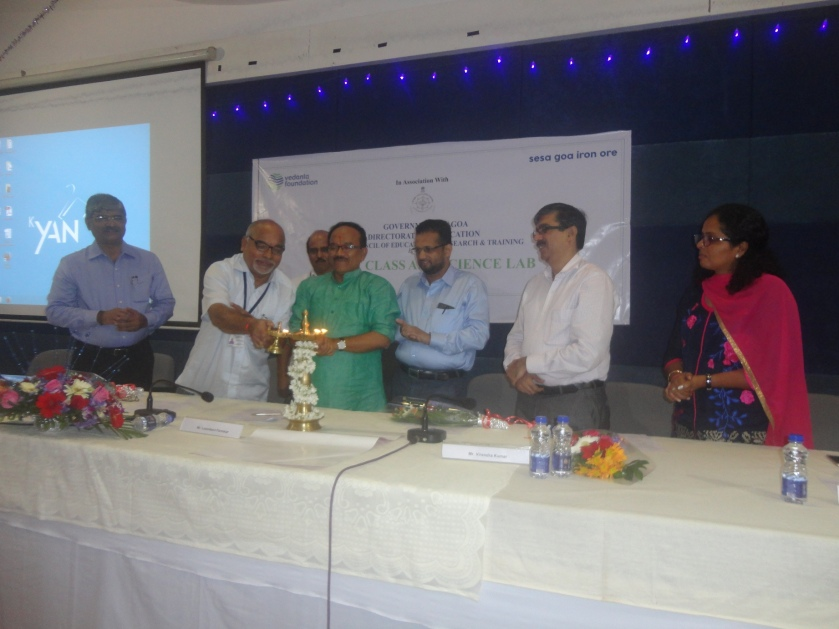CM lights the lamp on the launch of Smart Class and Science Lab